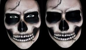 The-make-up-halloween-skeleton-with-black-eyes