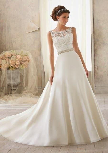 357bb9051f Los vestidos de novia sencillos Primavera Verano 2019 - ModaEllas.com