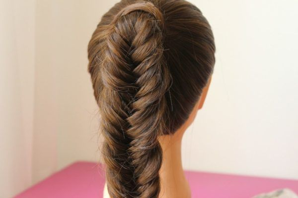 Hairstyles-for-san-valentin-braids-of-spike-wide