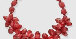 Collares de moda 2018: largos, de perlas, rojos
