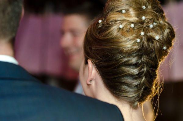 por otra parte la melena de rizos tambin forma parte de los mejores peinados para bautizo adems el cabello rizo de por s es una de los ms