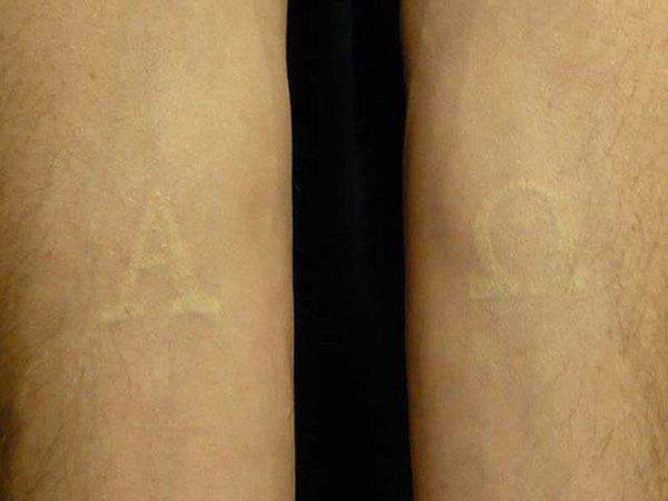 Tatuajes con tinta blanca para chica
