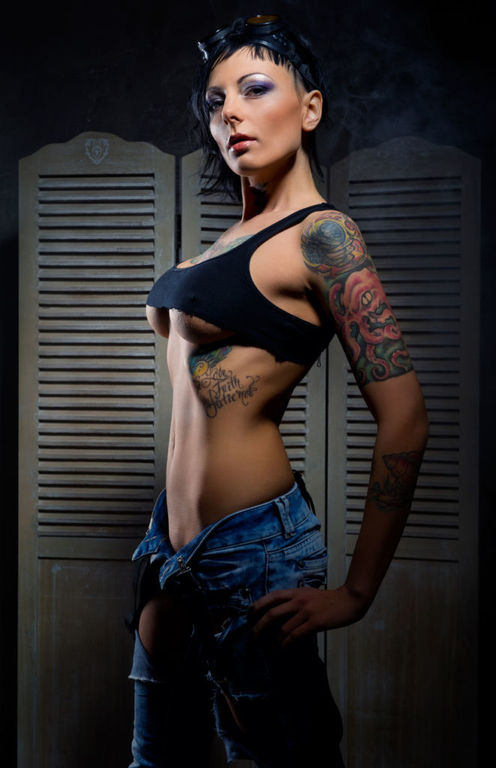 Tatuajes en las costillas pequenos frases
