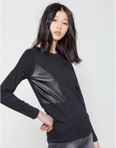 catalogo-shana-para-mujer-camiseta-detalle-polipiel