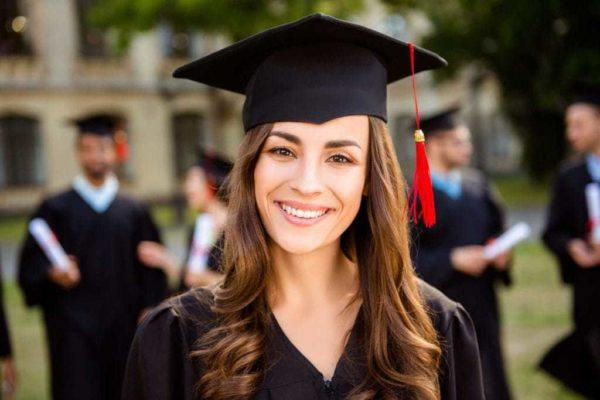 Cabello recogido para graduacion