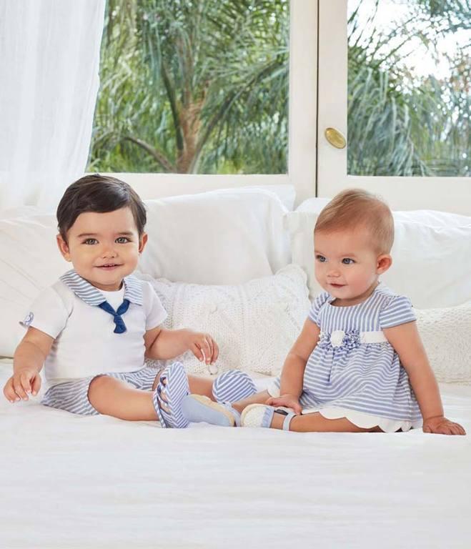 20832bcd7 Si quieres ver más modelitos para bebés recién nacidos que están en oferta  en estas rebajas de verano en Mayoral