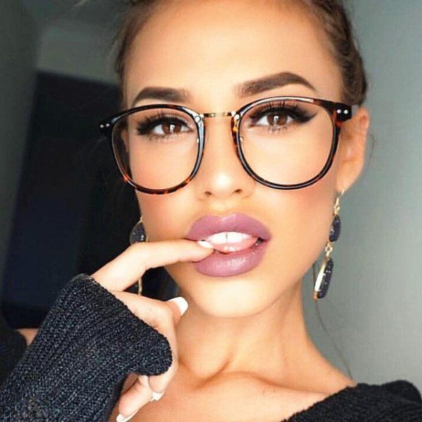 f599b0e196 Habrás notado, si llevas gafas desde hace ya algún tiempo, que el contorno  de los ojos parece oscurecerse. La incidencia del sol sobre los cristales  hacen ...