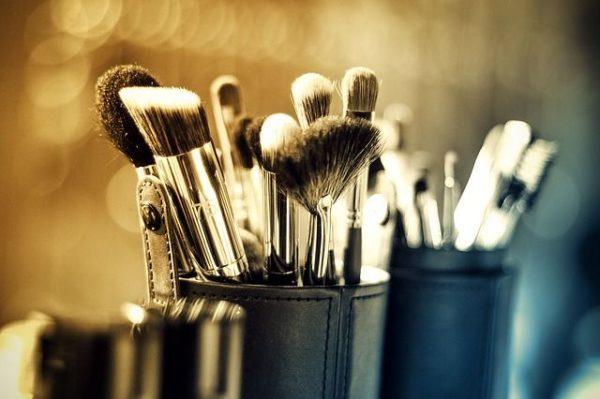 mejores-brochas-y-pinceles-de-maquillaje-conjunto-pinceles