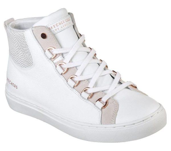 4eaa673738 ... calzado deportivo que cuenta con diseño de bota. Un estilo muy actual  que se convierte en perfecto para salir a recorrer la ciudad todos los días  y que ...