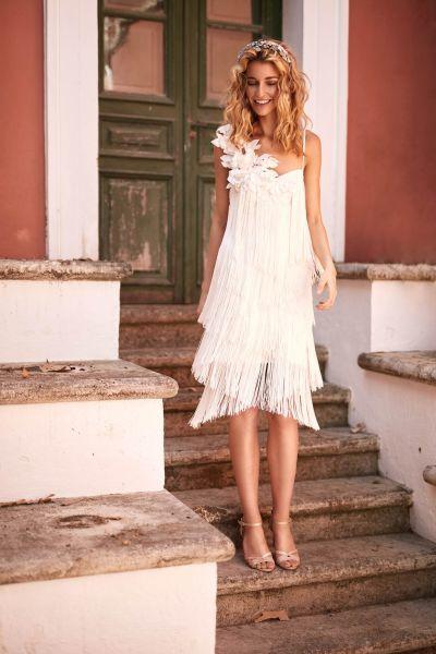 vestidos-de-novia-cortos-matilde-cano-flecos-tirantes-flor