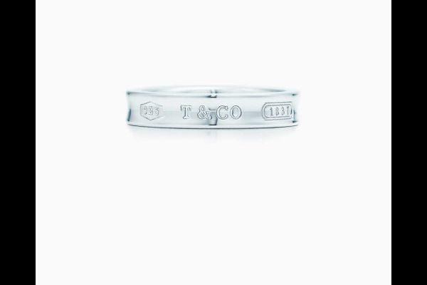 como-elegir-anillos-de-compromiso-para-hombres-y-mujeres