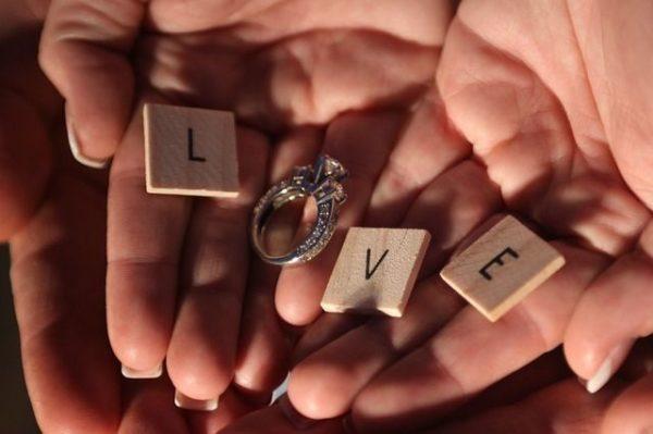como-elegir-anillos-de-compromiso-para-hombres-y-mujeres2