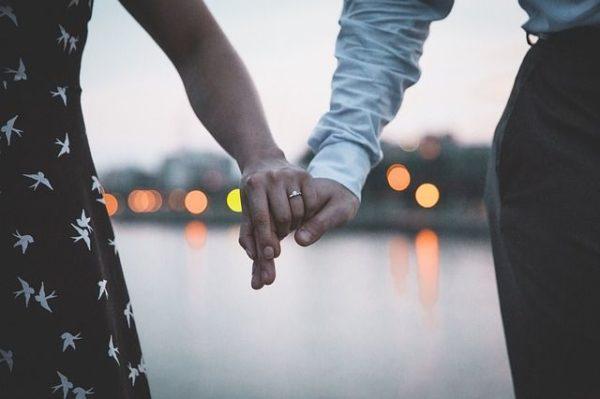 como-elegir-anillos-de-compromiso-para-hombres-y-mujeres4