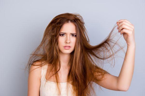 trucos-para-desenredar-el-pelo-sin-dolor-istock