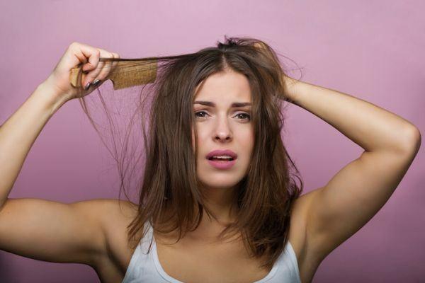 trucos-para-desenredar-el-pelo-sin-dolor-istock2