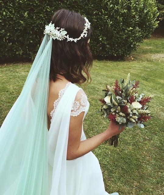 velos-de-colores-para-novia-como-llevarlos-azul-bodas-con-detalle