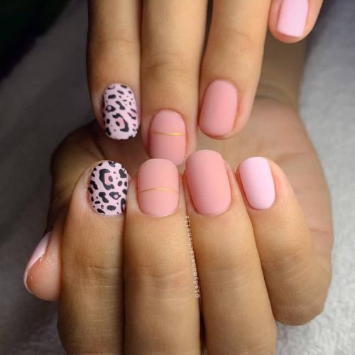 unas-animal-print-instagram-lady-moustache-nails