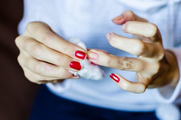 Cómo quitar el esmalte de gel de las uñas sin destruirlas