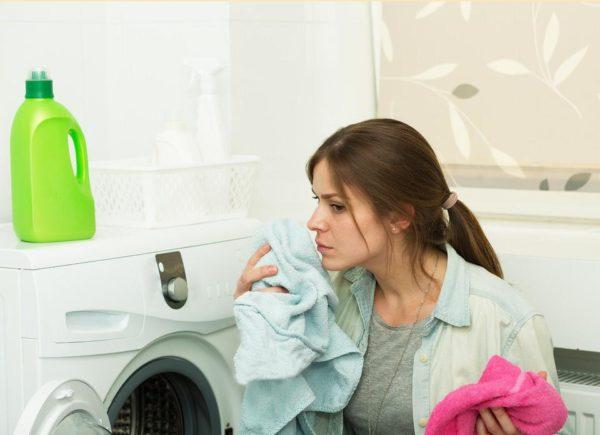 Consejos útiles para eliminar el moho de la ropa