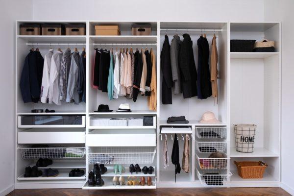 Cómo organizar la ropa en poco espacio