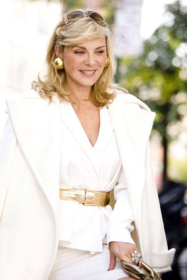 outfits-anos-90-ropa-blanca-hbo