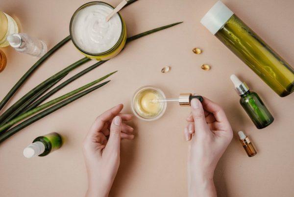 Beneficios del aceite de vitamina E en las uñas