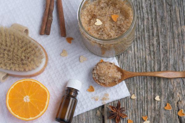 Exfoliante de azúcar moreno, aceite de coco y vainilla