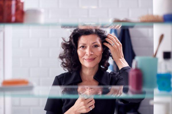 Cortes de pelo para mujeres 50 anos media melena ondulado