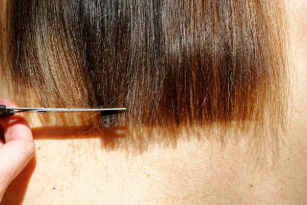 Como cortarte el pelo en casa que necesitas