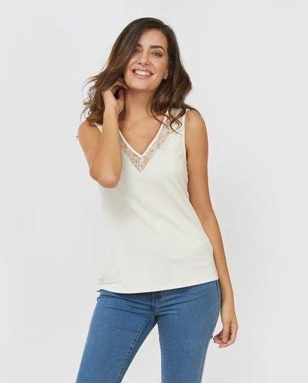 catalogo-el-corte-ingles-para-mujer-top-blanco-con-encaje-vero-moda