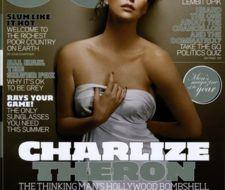 Charlize Theron sólo se cubre con una sábana