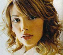 Cortes de cabello y peinados 2009 para pelo ondulado u ondeado femenino