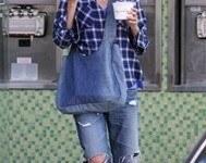 Nueva tendencia de moda 2009 – 2010 : Jeans o vaqueros cortados y rotos, recicla tus pantalones