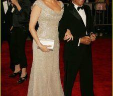 """Julia Roberts y Scarlett Johansson en la colección """"Los Superhéroes: Moda y Fantasía"""""""