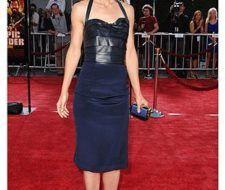 Katie Holmes diseñó el vestido que lució en el estreno de Tropic Thunder