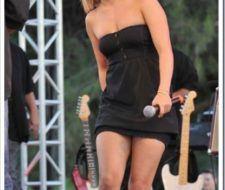 Hayden Panettiere, vestida simple pero bellísima