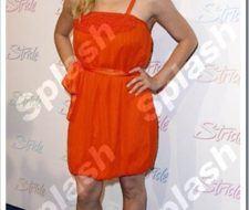 Brittany Snow, de naranja