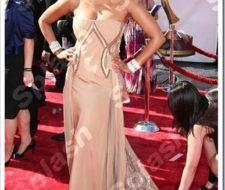 Tyra Banks de dorado en los Daytime Emmy Awards