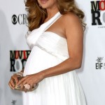 vestidos de fiesta elegantes de famosas embarazadas 3