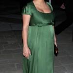 vestidos de fiesta elegantes de famosas embarazadas 5