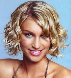 wavy-hairstyles-for-long-and-short-hair-273x300